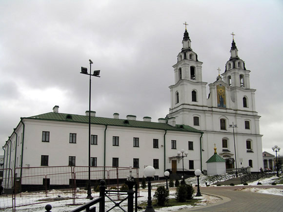 The hooly spirit cathedral in central Minsk. December 2005